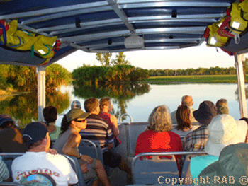Yellow Water Billabong wildlife cruises  |  Credits RAB